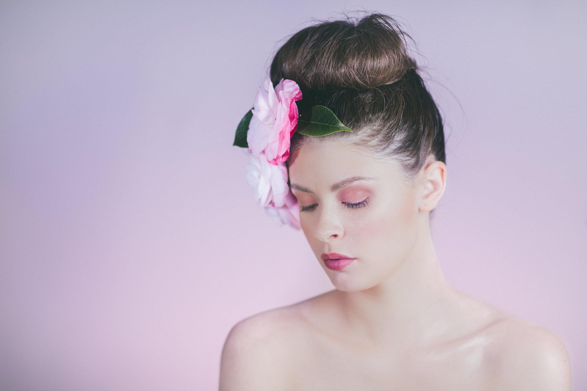 pretty beauty photographer - makeup - closeup photos of face